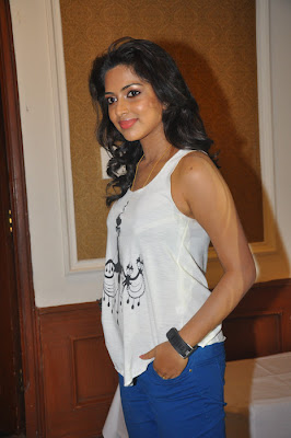 Amala Paul at Love Failure Movie Successmeet Photo