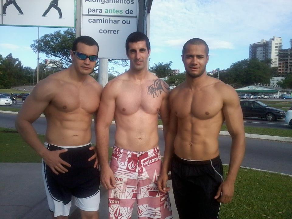 Rodrigo Mendonça fez corrida com os amigos na orla de Florianópolis