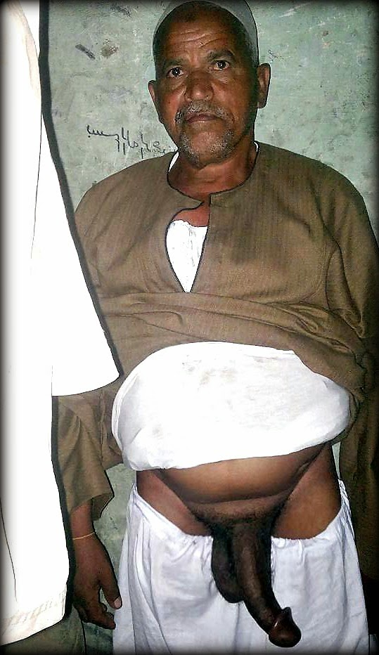 foto hombre viejo desnudo: