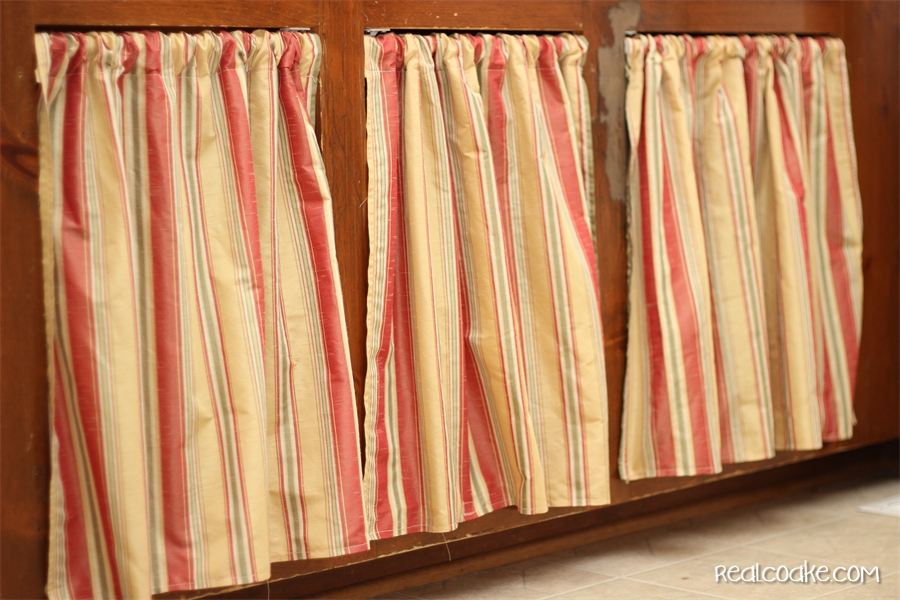 easy breezy new cabinet curtains {kitchen cabinet ideas}
