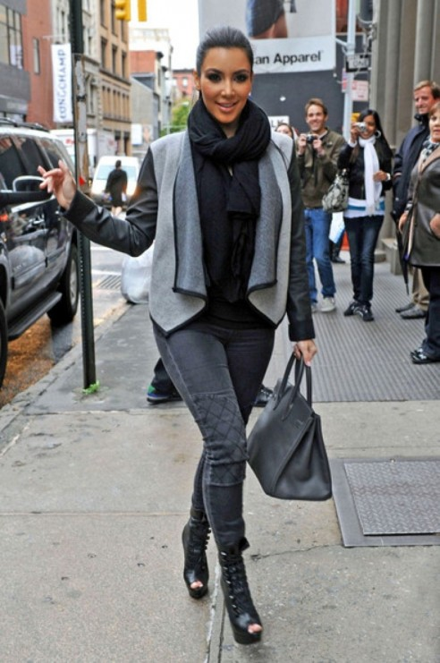 Kim Kardashian Fashion Trend Color Coordinated Accessories Style 10