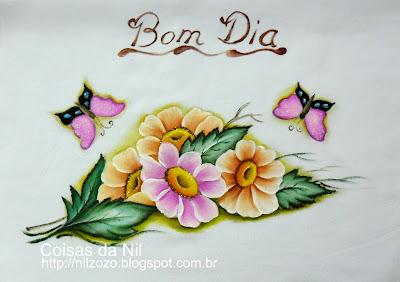 gerberas e borboletas pintadas em tecido