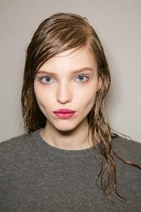 Model Rambut Wanita Wet Look Prada