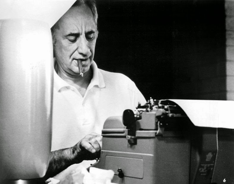 Which is easier using a typewriter ir a computer to write and print a essay?