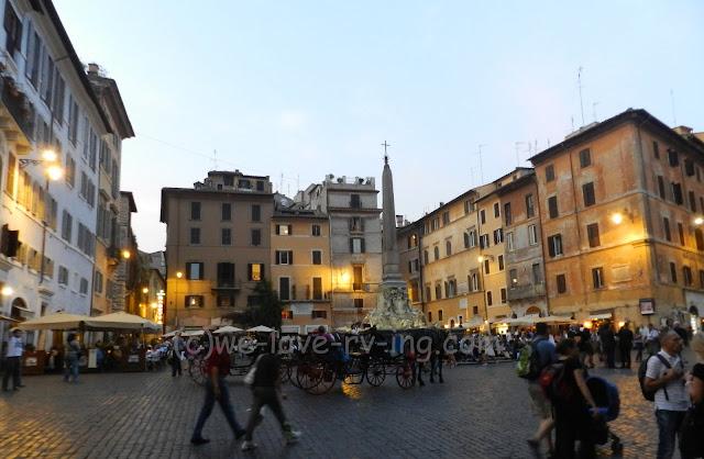 The lights come on in the Piazza della Rotonda and night falls.