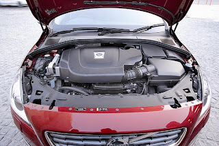 new volvo s60 d3 engine view