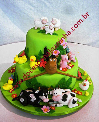 Bolo fazendinha bolo decorado fazendinha  vaca cavalo porquinho carneirinhos bichos da fazenda
