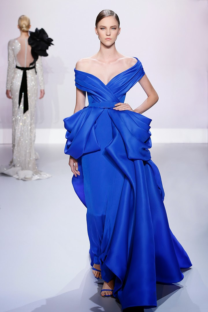 Ralph-&-Russo, Ralph-and-Russo, Ralph&Russo, RalphandRusso, Walde-Huth, Henry-Clarke, Irving-Penn, Willy-Maywald, Lillian-Bassman, Ava-Gardner, Rita-Hayworth, printemps-ete, spring-summer, womenswear, mode-femme, fashion-week-paris, paris-fashion-week, fashion-week, robes, robe-cocktail, robe-grand-soir, robe-mariage, robe-bustier, sexy, robes-mousseline, robes-dentelle, couture, haute-couture, mode-a-paris, blog-mode-femme, blog-mode, sexy-dresses, robe-femme, robes-pas-cher, tenue-de-mariage, fashion-pictures, robes-de-soiree, robe-du-soir, du-dessin-aux-podiums