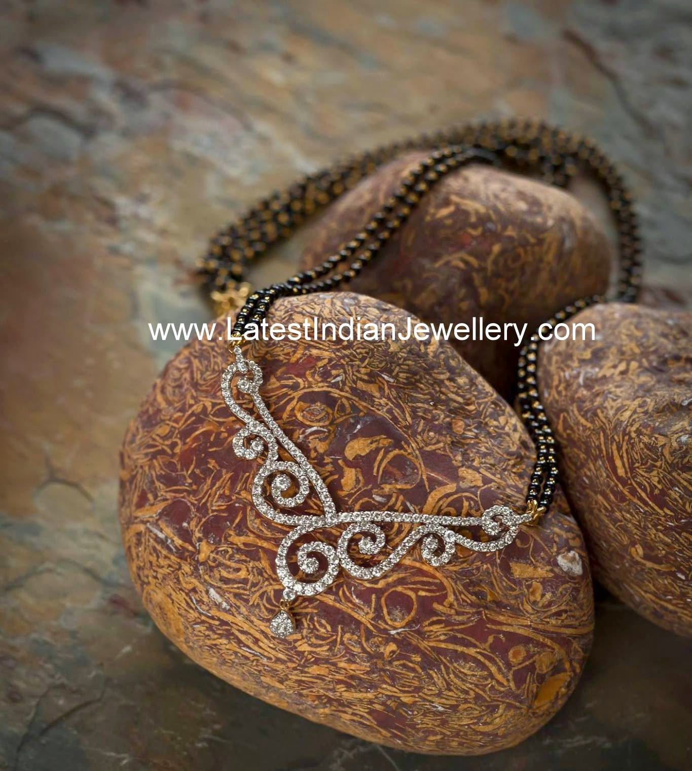 Diamond Pendant Nallapusalu