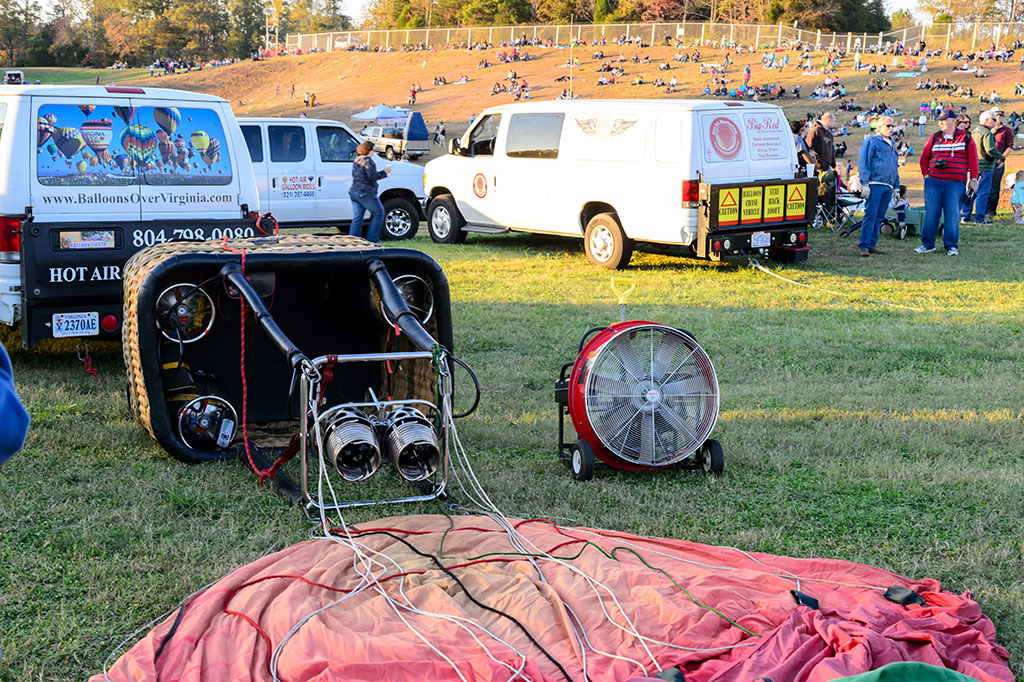 Waiting for the wind to die at Carolina BalloonFest