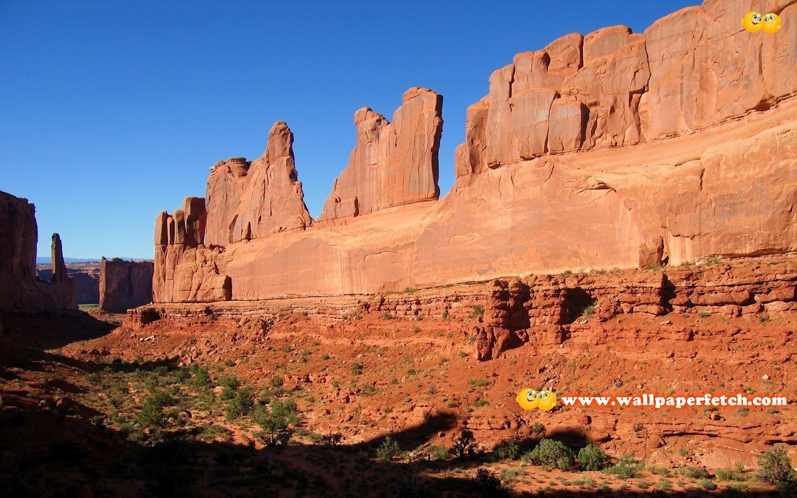http://4.bp.blogspot.com/-EynrYECMdGg/T1SiC6niRZI/AAAAAAAANww/uaJybhzyh6Y/s1600/arches-national-park-10187-1920x1200.jpg