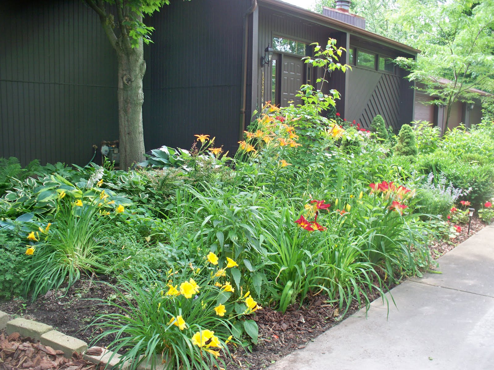Garden Beauty Design Elements For Entrance To House