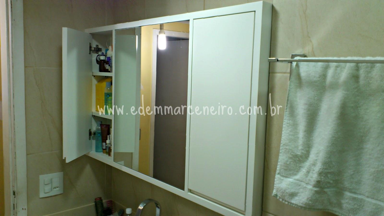 Armário Laqueado para banheiro com espelho Edem Marceneiro #887A43 1600x900 Banheiro Armario Com Espelho