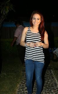 Actress Aksha Pardasany Latest Pictures in Jeans at AIINA Women Awards 2014 Curtain Raiser  51