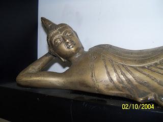 kerajinan kuningan patung budha tidur