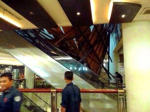Foto Gedung Bioskop Sun Plaza Medan yang Ambruk