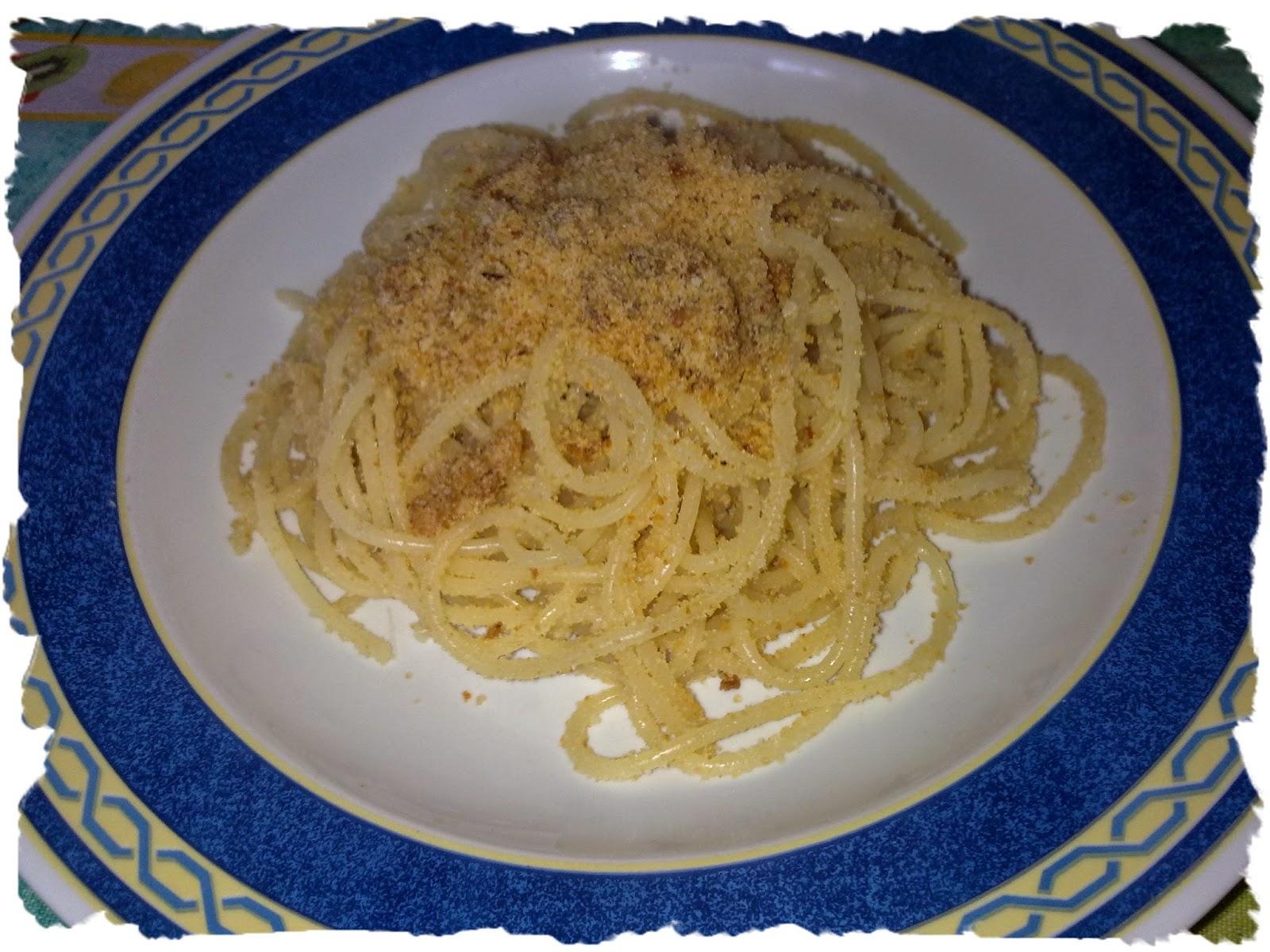 spaghetti con pangrattato e nduja vegetale