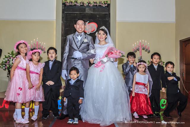 foto pernikahan mike dan dewi di gereja adven timoho yogyakarta