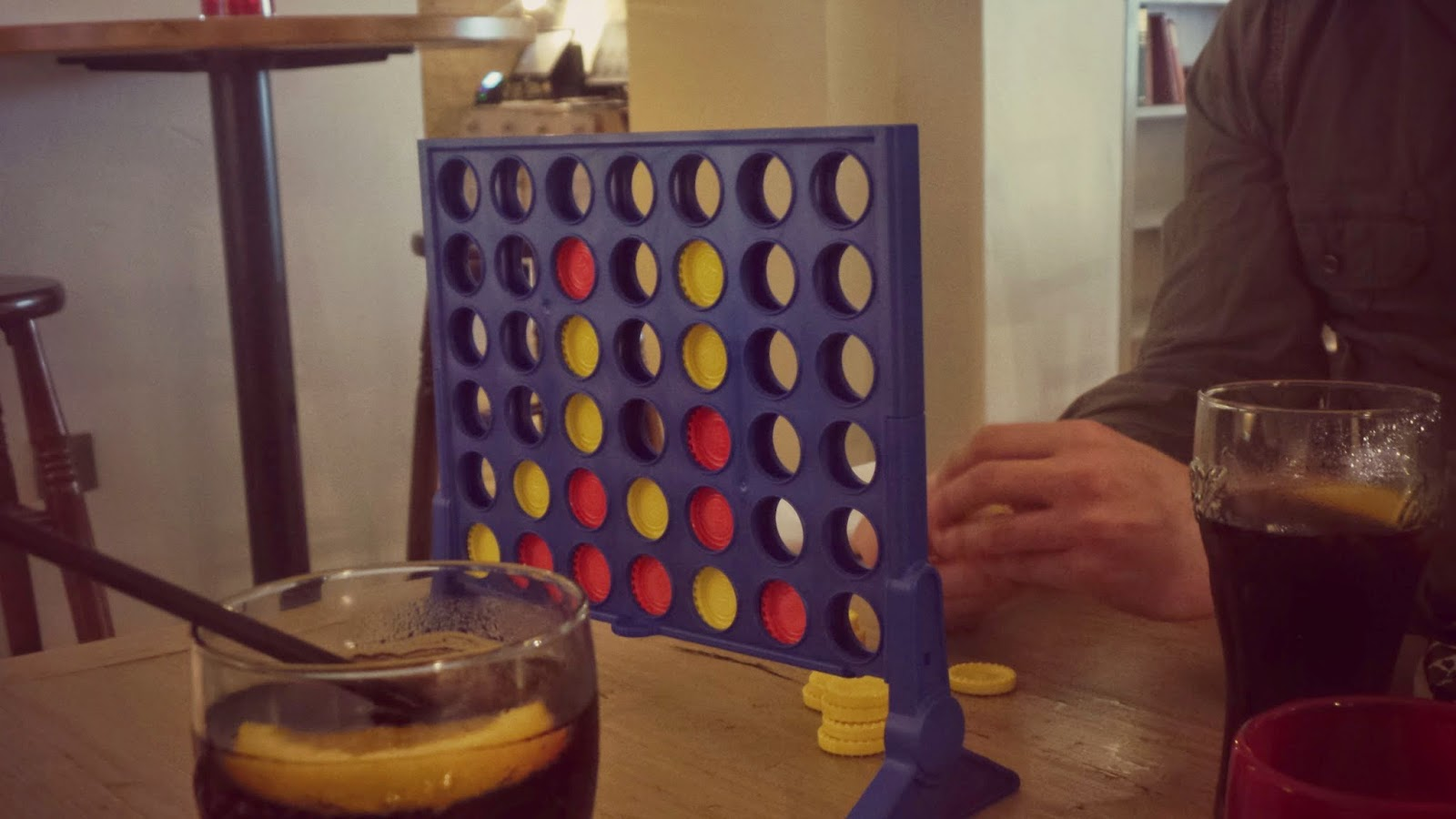 connect four in pub