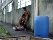 Brasileiros muito gostosos fodendo na rua