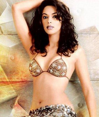mallika sherawat kiss. 2010 sexy Mallika Sherawat who mallika sherawat kiss.