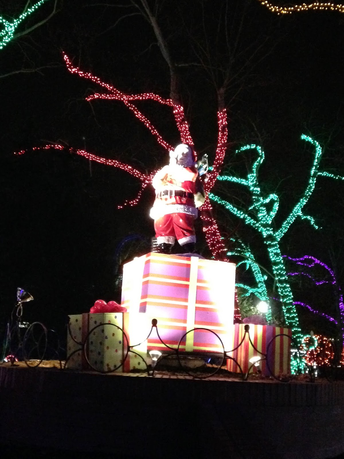 Kennywood Holiday Lights #LovePgh - Sand and Snow
