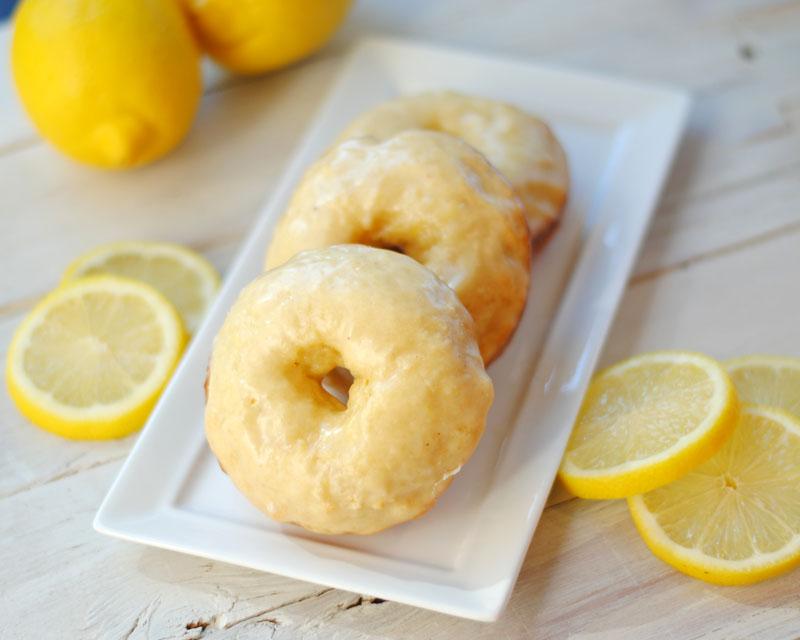 Leanne bakes: Baked Lemon Donuts with Lemon Glaze