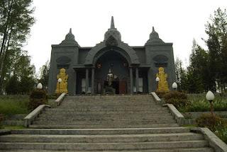 Perbedaan Vihara (buddha) dan Kelenteng (Kong Hu Chu) Vihara