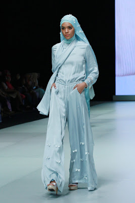 Ria Miranda Di Indonesia Fashion Week 2013 Model Jilbab Terbaru