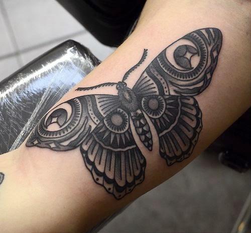 Las misteriosas polillas en los tatuajes belagoria la web de los tatuajes - Murcielago en casa significado ...