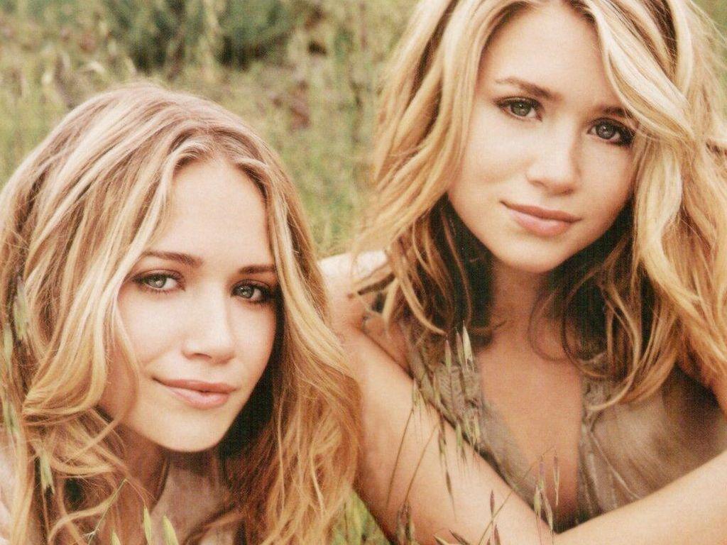 http://4.bp.blogspot.com/-F0OyeA8s2Wc/TV0ZrddFXlI/AAAAAAAAAH8/yi-1xsovCT4/s1600/Olsen-Twins-31.JPG.jpeg
