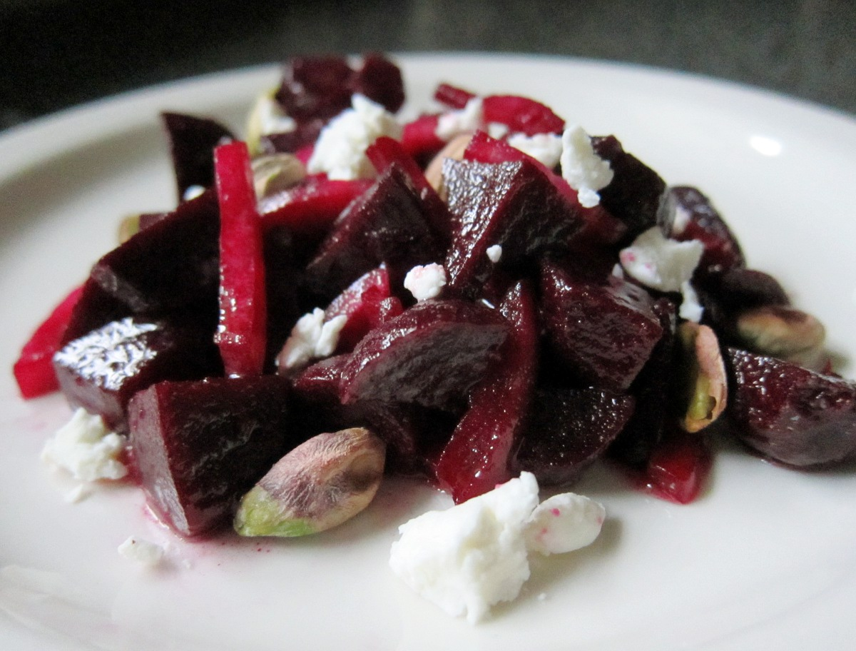 beet+onion+goat+cheese+salad+with+pistachios.JPG