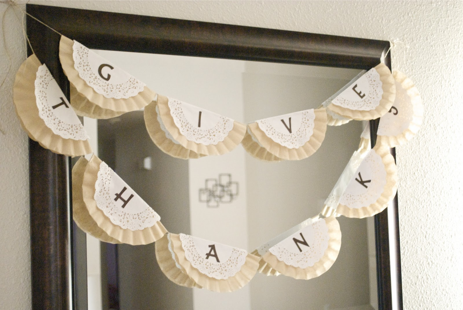 Easy Give Thanks Garland