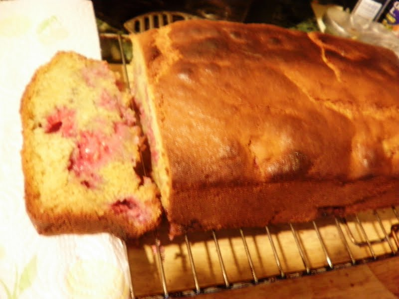 Simply Self Sufficiency: Raspberry Almond Bread