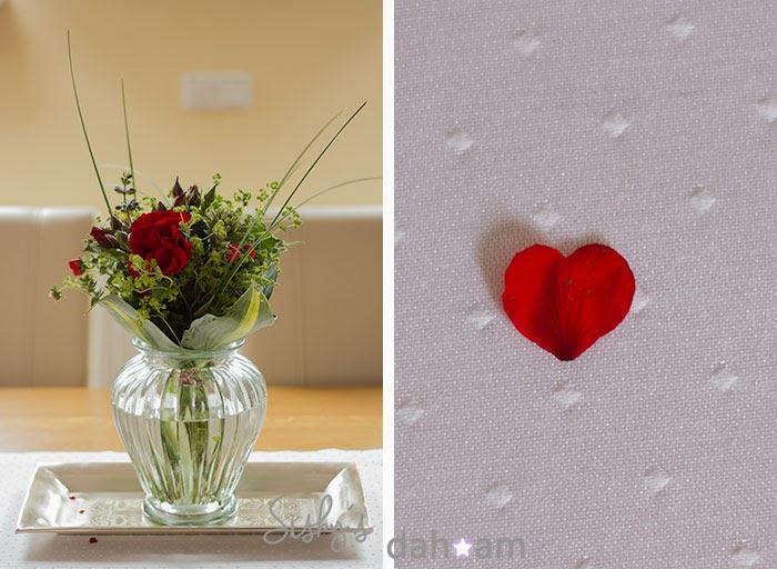 Blumenstrauß aus Rosen, Hosta, Pampasgras, Ziererdbeere und Frauenmantel