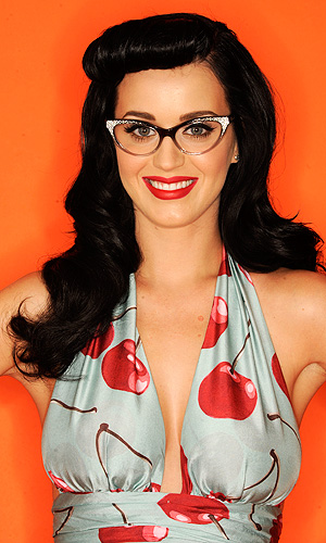 Katy perry sporting a victory roll come bettie bang fringe