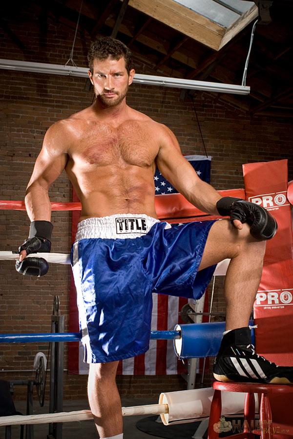 Machos Pelados Gostosos, Tesudos: Boxeador pelado com