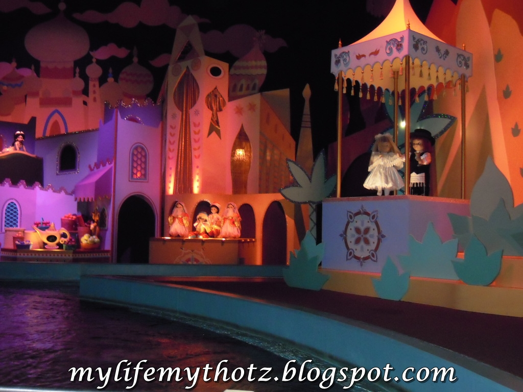 MyLifeMyThotz...: Hong Kong : Disneyland It's A Small World