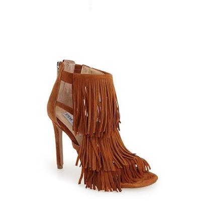 Steve Madden Summer sandals. Visit www.forarealwoman.com
