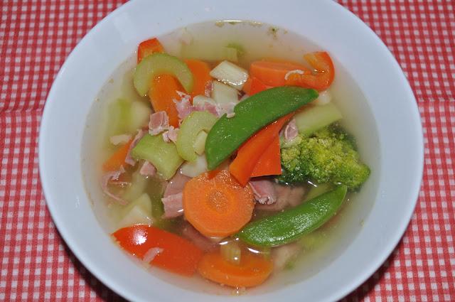 Suppe med spekeskinke