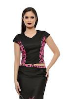 Bluza neagra cu imprimeu floral ciclam SR02CD (Ama Fashion)