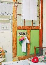 http://www.portaldeartesanato.com.br/materias/2105/reciclagem+de+porta+de+madeira