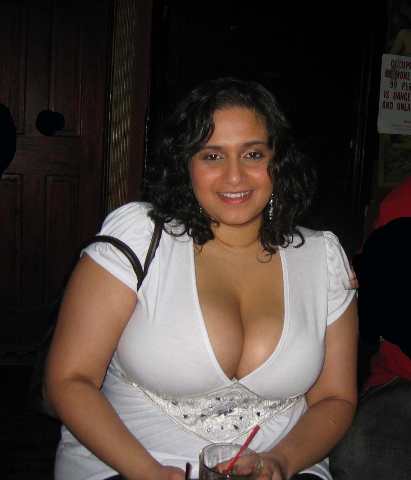 Noch Sexy aunti big boob image com