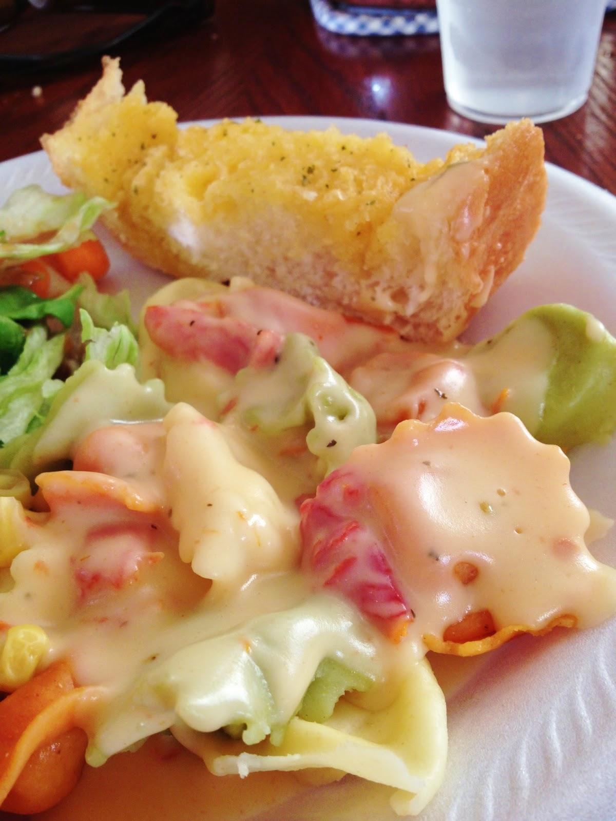 Sisters 39 Sweet Tooth Olive Garden 39 S Ravioli Di Portobello Actually Just The Amazing Sauce Recipe