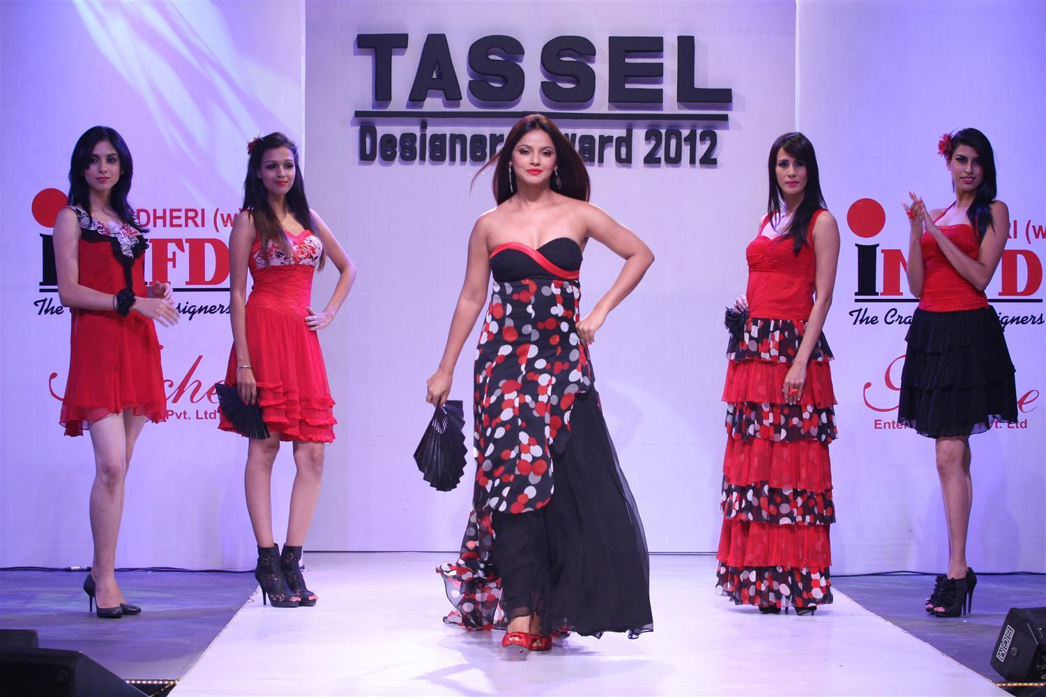 Neetu Chandra At The Tassel Designers Awards 2012