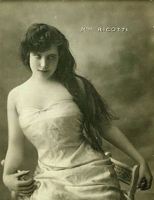 Old Italian erotic postcard