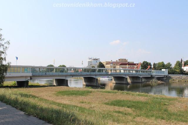 Kolonádový most // Glas Bridge on river Vah