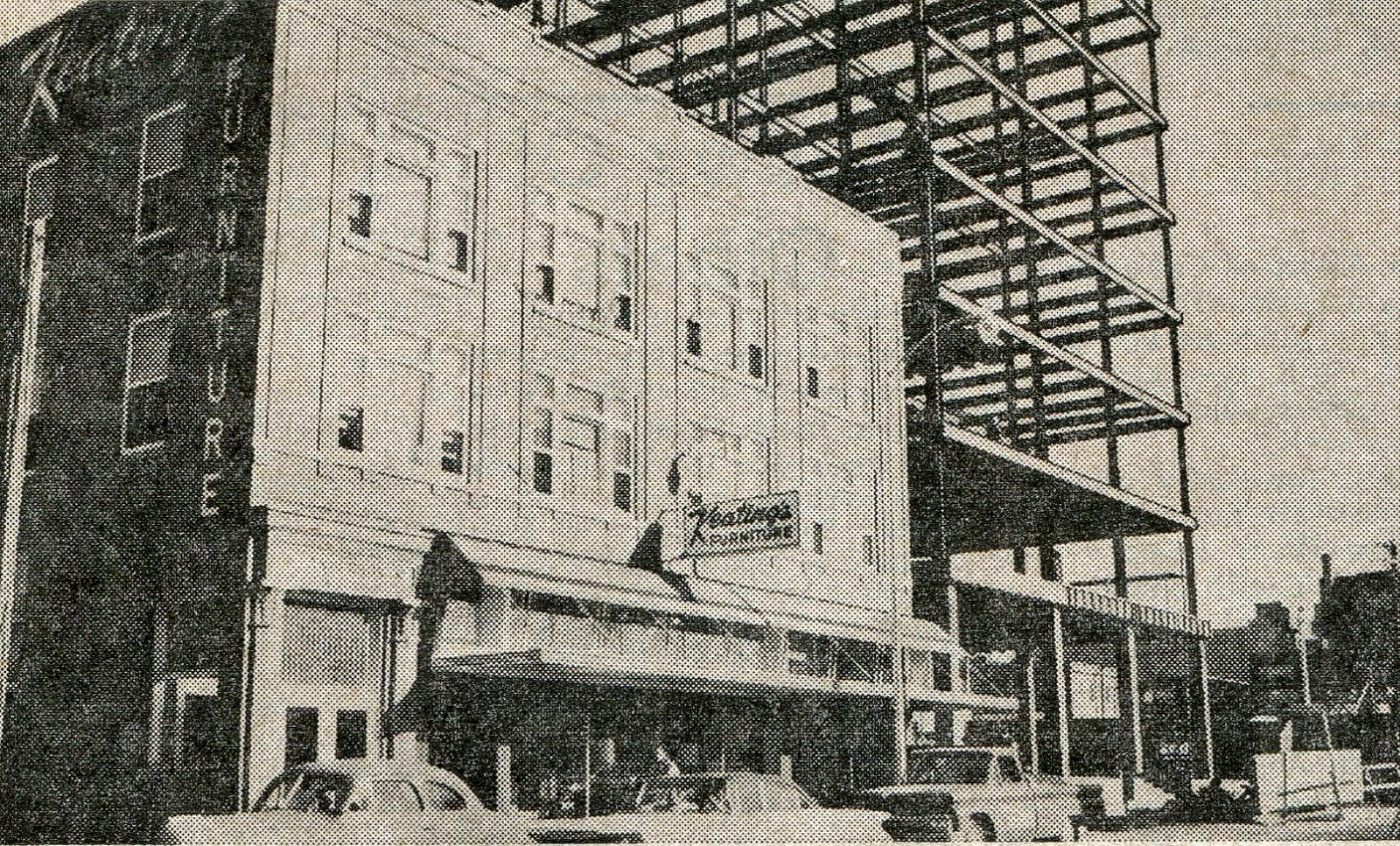 Pictured Below Is I Keatings In Its Location On 1st St SW .... Behind The  Store Is The Midwest Federal Building Under Construction
