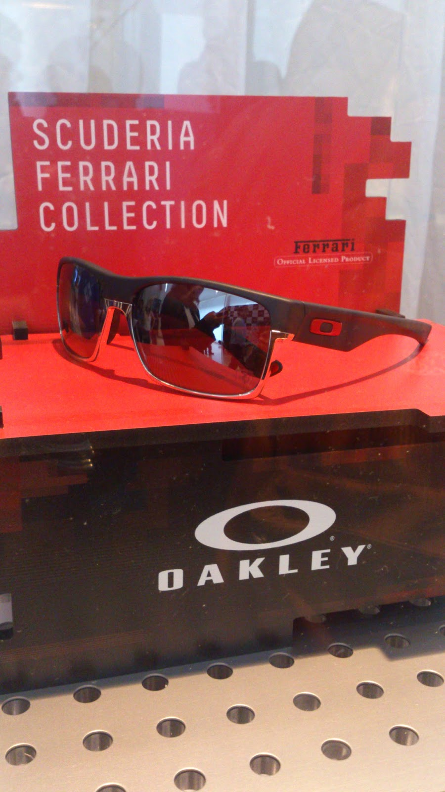 """The partnership of Oakley and Ferrari is a very exciting one.Being the  best in what they do is in their DNA. Both brands push the envelope and use  ... 0cdb3b0b1cef"