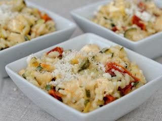 Risotto de courgettes, tomates séchées et feta